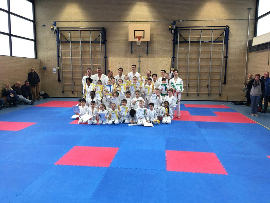 Examens bij Karate Instituut Wairando