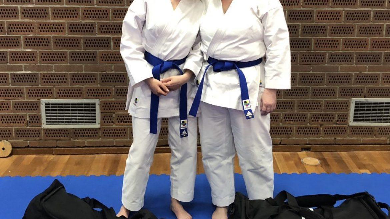 Nadia en Martha nemen deel aan katawedstrijden Smaal Cup